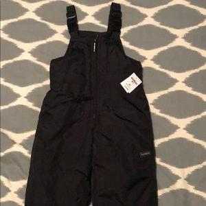 OshKosh B'gosh Other - NWT Osh Kosh size 3T snow pants
